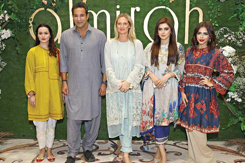 bina hassan with waseem akram,shanier akram,michelle mumtaz and hina ashfaq